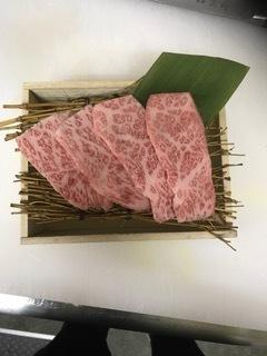 食彩和牛しげ吉元町店です。